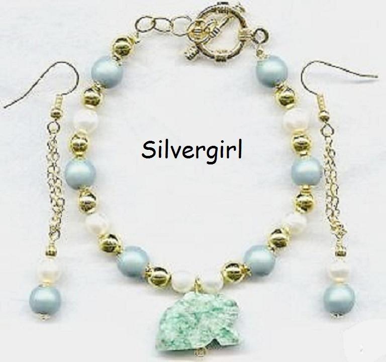 Satin Sage Green FW Pearl Pearl Bracelet Earring Set