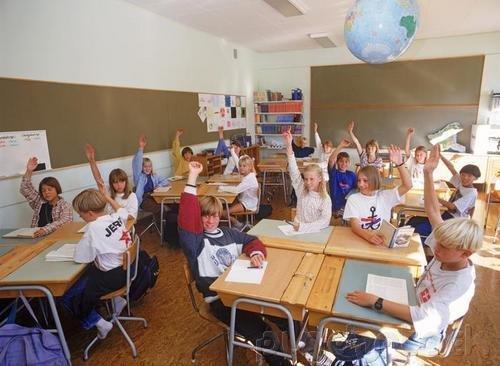 Sociology - Ecology & Modernization - Institutions Under Pressure - Schools & Schooling
