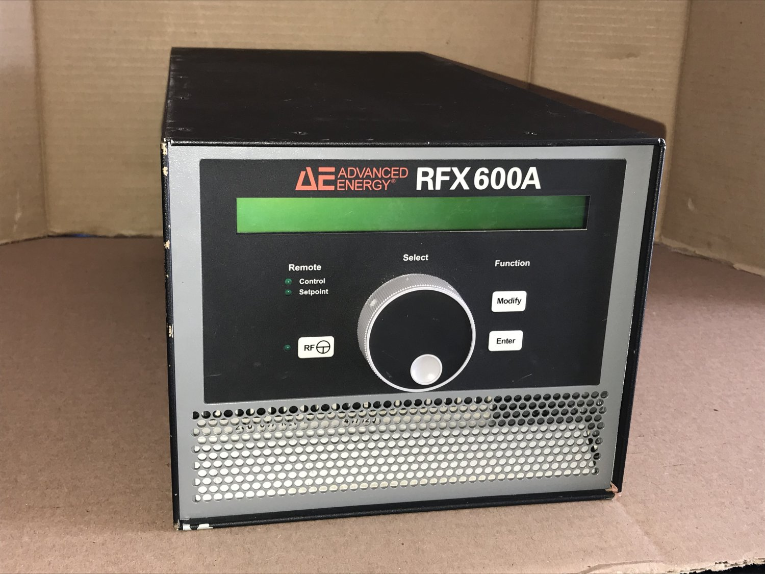 Advanced Energy RFX600A RF Generator 13.56 MHz 3155082-220 - PARTS or REPAIR