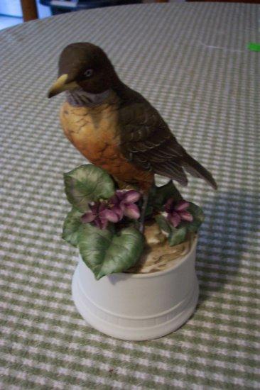 Lefton Porcelain Robin  KW5158