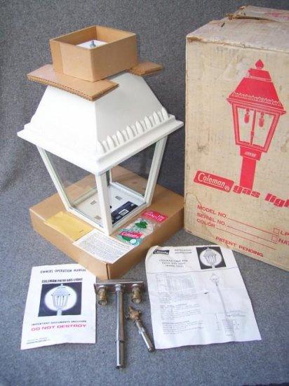 """Vintage 21"""" Pole Mount COLEMAN Yard Patio Driveway Propane Gas Light Decor LANTERN w Box 1969"""