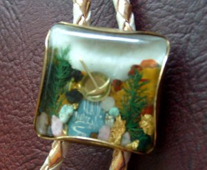 Vintage Lucite Semi Precious Stone Bolo Tie California Gold Rush Panning Pan 1950s 50s