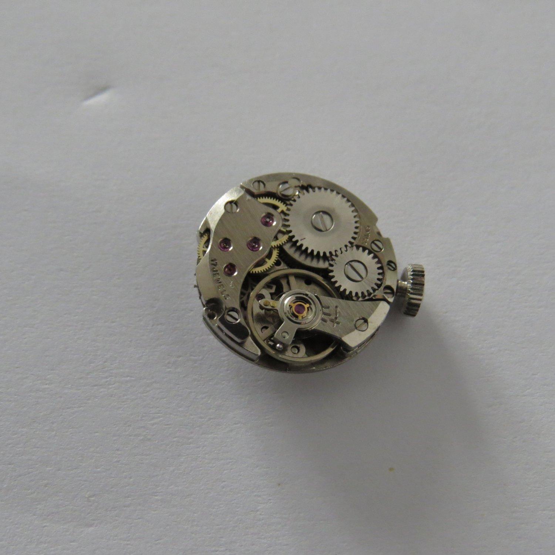 AS 4172 Mechanical 17 Jewel Movement NEW Swiss Made