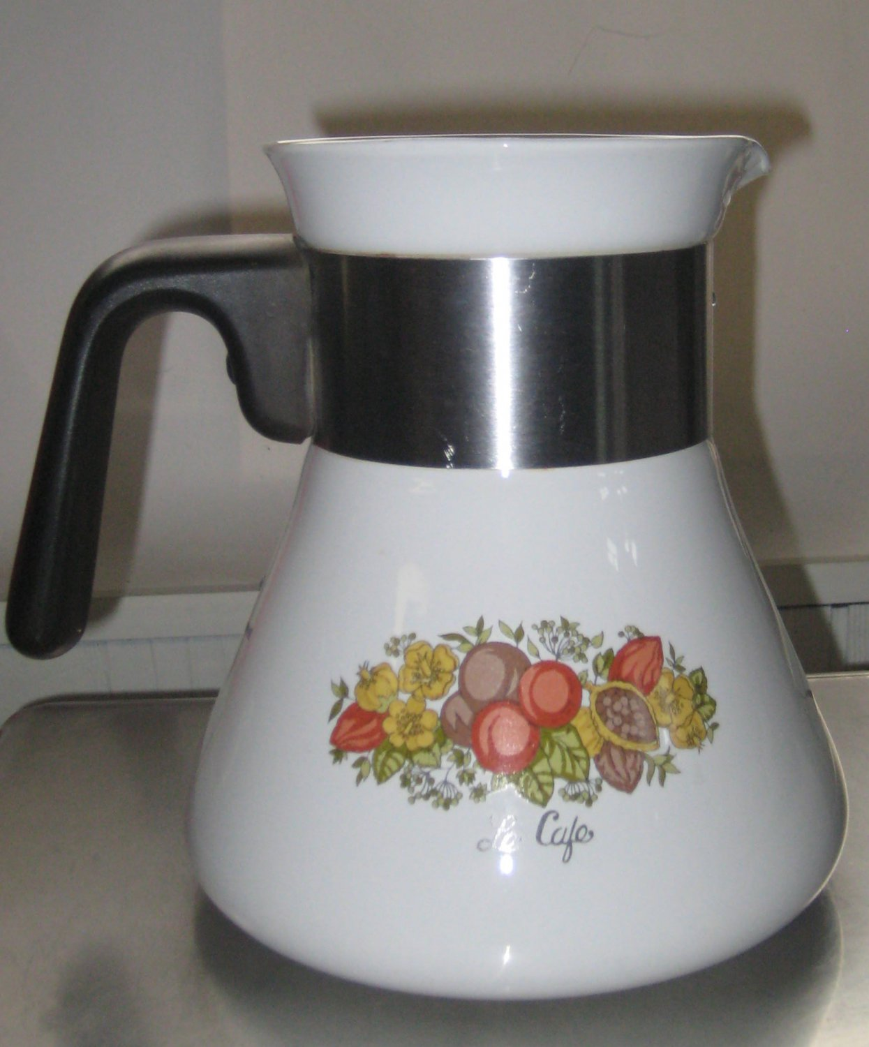 vintage corningware teapot kettle coffee pot le cafe spice of life 6 cup. Black Bedroom Furniture Sets. Home Design Ideas