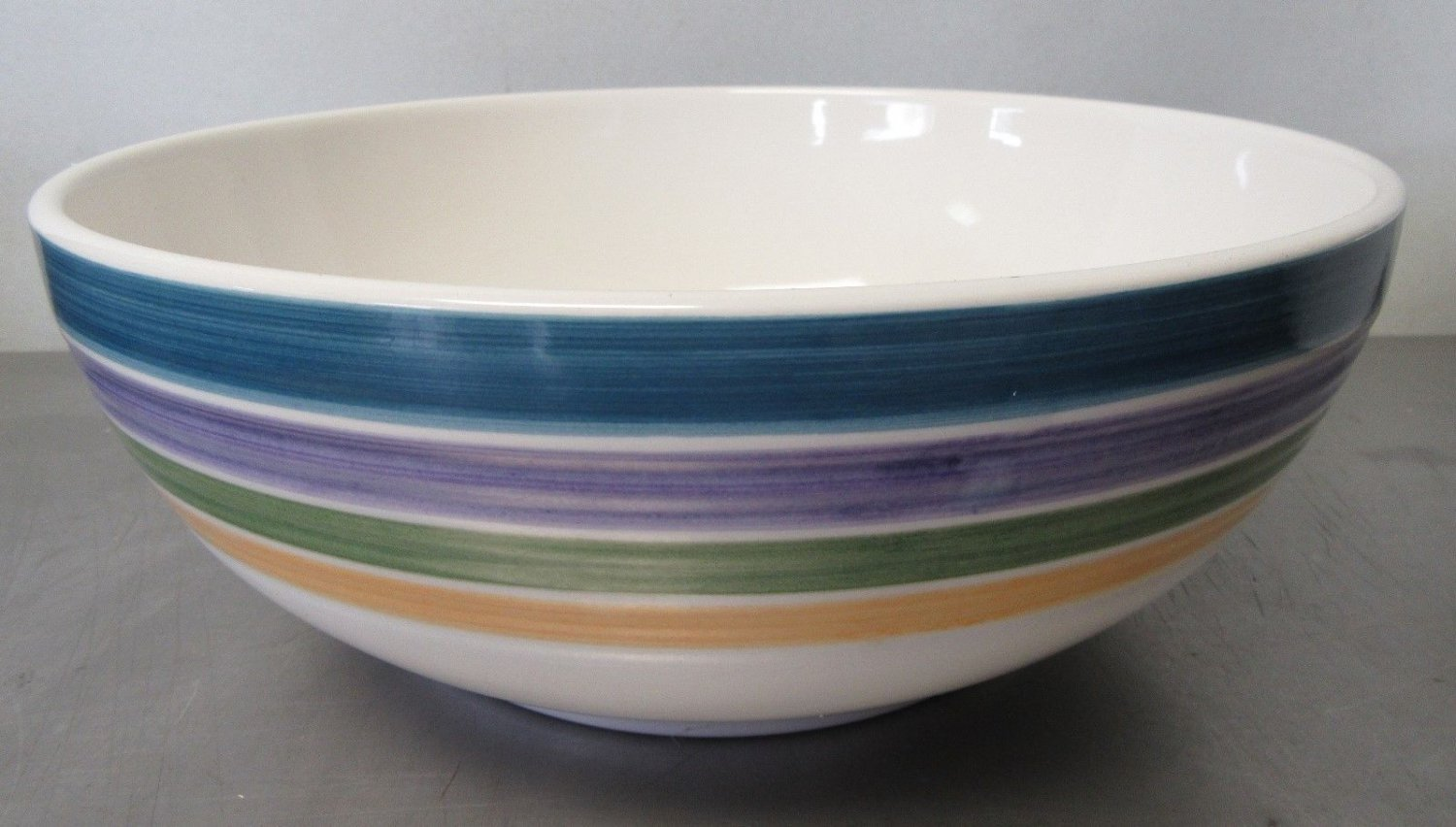 """Candy Stripe Mixing Bowl 9 1/4""""  Gibson Everyday China"""