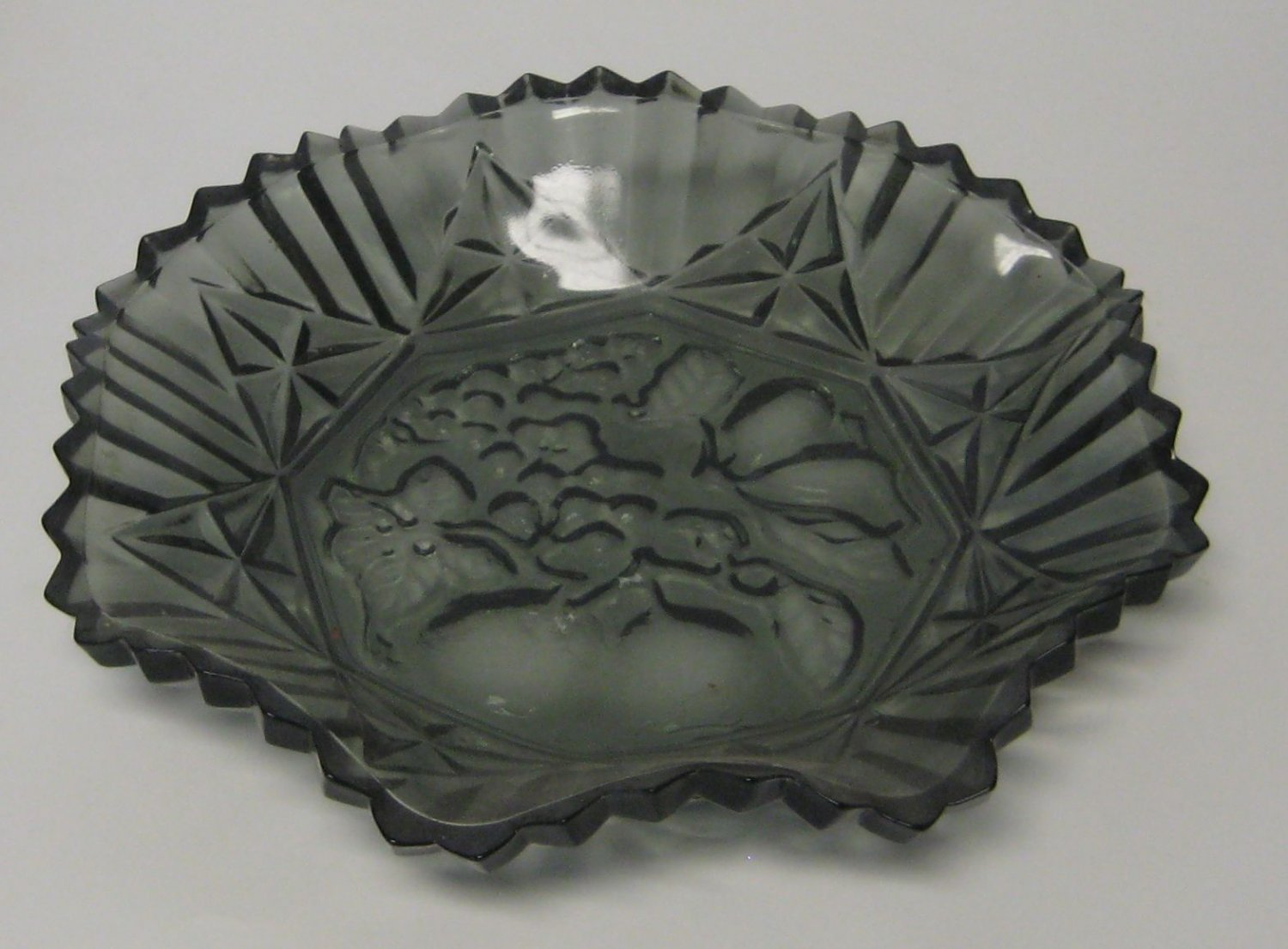 FEDERAL GLASS Fruit Pattern Pioneer Smoke Colored Centerpiece Dish