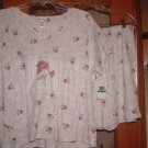 NWT's Vanity Fair 2 PC Pajama Set sz M @@ $38@@