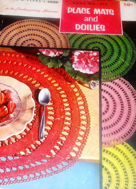 Coats Clarks book no. 315 Place Mats and Doilies Vintage thread Crochet Pattern