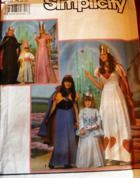 Simplicity 0680 Costume Sewing Pattern Size 2-7 Child Queen Princess