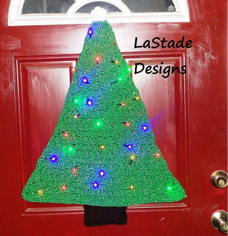 Christmas Tree Lighted Door Decoration Crochet Pattern