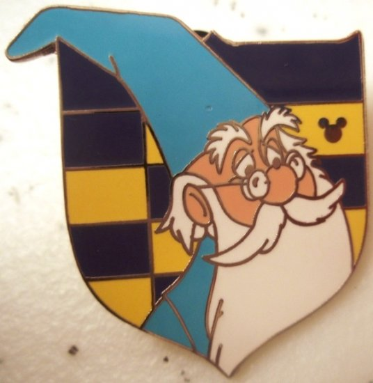 Disney pin MERLIN ($3 flat shipping up to 5 pins)
