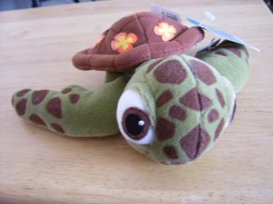 Disney & Pixar - Finding Nemo Squirt the Turtle - Disney Store  www.rootbeer.ecrater.com