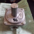 Maxitrol R600Z Gas Regulator  NEW