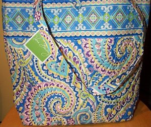 f9480cb43e1e Retired Vera Bradley Capri Blue Tote Bag