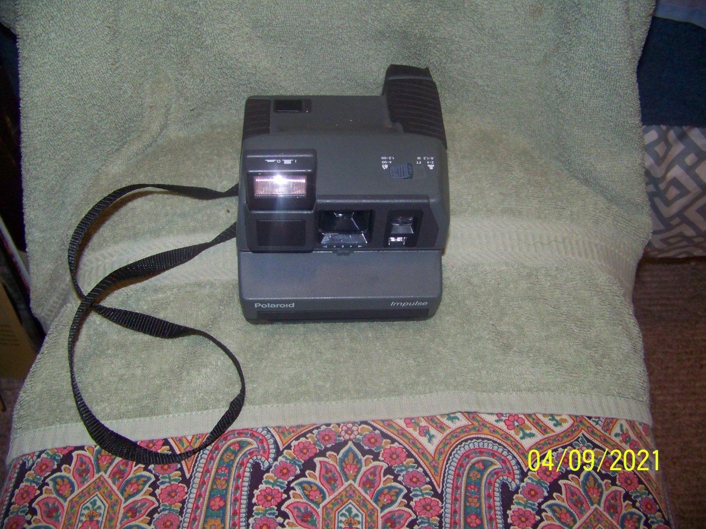 photography  vintage  camera  /polaroid
