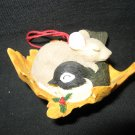 VINTAGE SILVESTRI CHARMING TAILS MOUSE BIRD LEAF HANG OR CLIP ON CHRISTMAS TREE ORNAMENT
