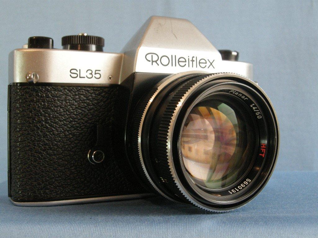 Rolleiflex SL35 (Singapore)  witn QBM Carl Zeiss Planar 1.4/50 HFT Made in Germany