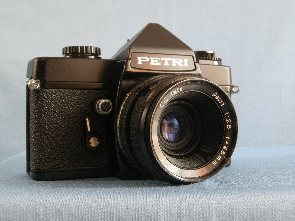 Vintage Petri MF-1 with C.C. Auto Petri 2.8/45 Lens  ·  Made in Japan