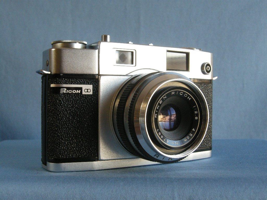 Vintage Rangefinder Ricoh 300 with Riken 2.8/45 Lens  ·  Made in Japan