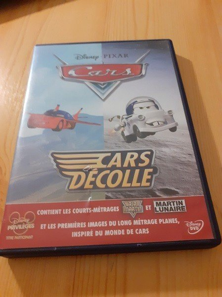 dvd disney Cars Take Off - Air Martin & Martin Lunaire in good condition