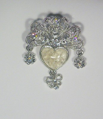 victorian reproduction lavolier brooch creme
