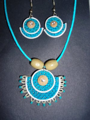 Jute fashion jewelry necklace and ear rings made using eco friendly jute