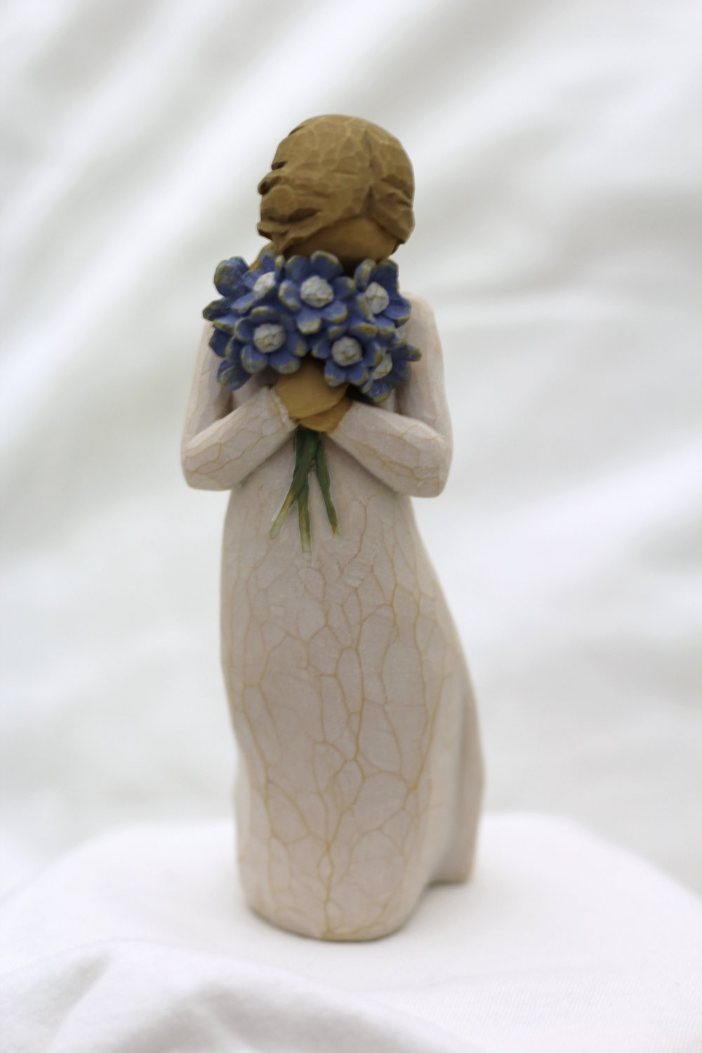 Willow Tree ANGEL Forget Me Not Susan Lordi New Gift figurine statue blue flowers