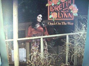 Loretta Lynn - One's On The Way