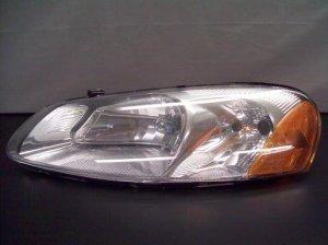 2005 Dodge Stratus Left Drivers Side Headlamp/ Light