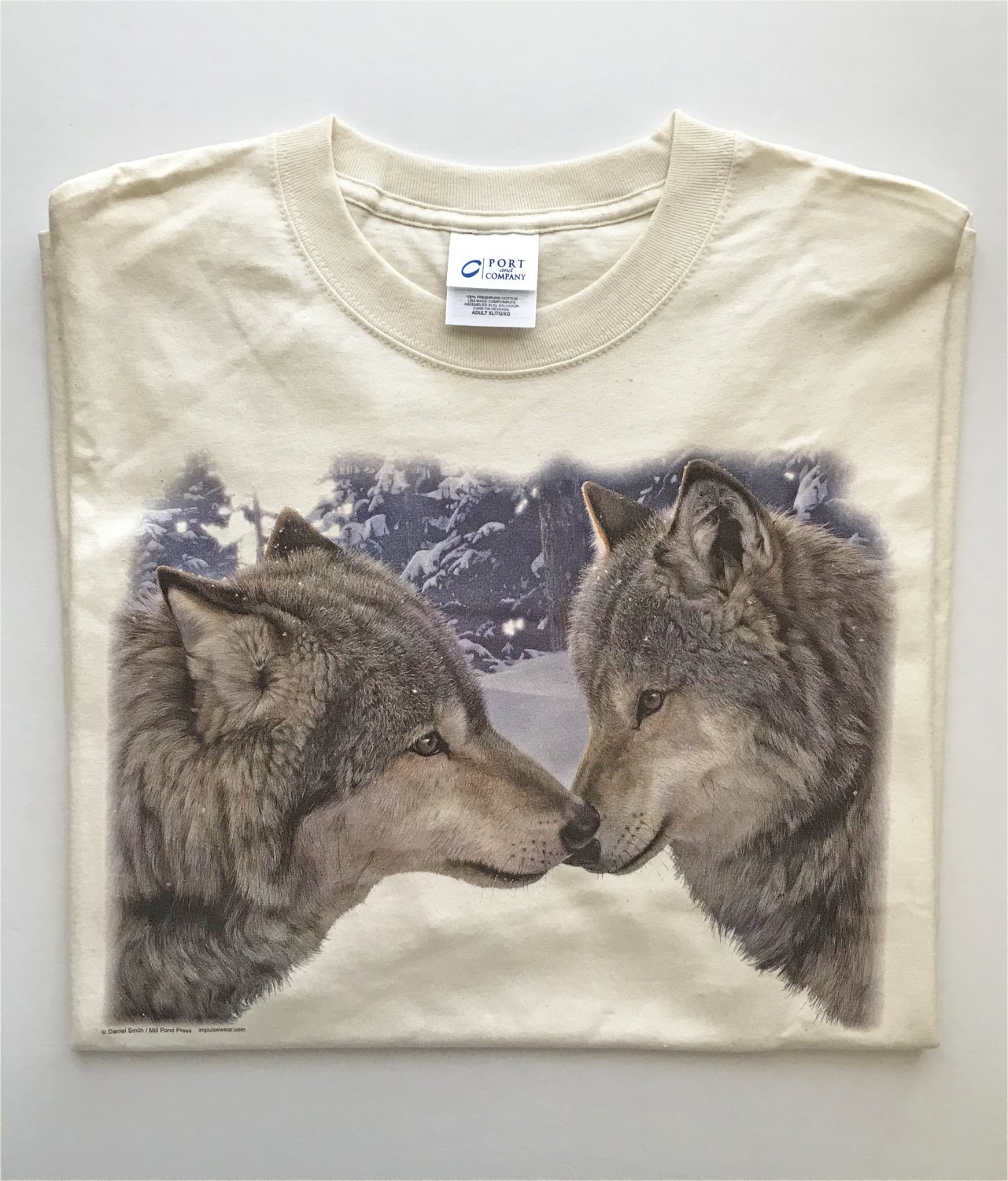 Kissing Wolf Wolves In Snow Unisex T-Shirt XL