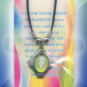 Seahorse Mood Necklace Choker Octagon Pendant UV Glow Retro Chic Color Changing Chart