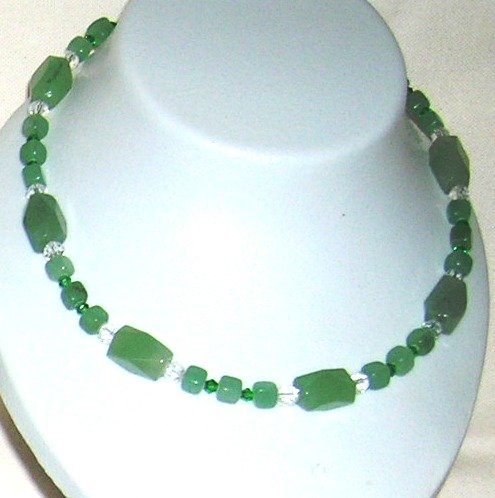 Green Aventurin with clear crystals necklace
