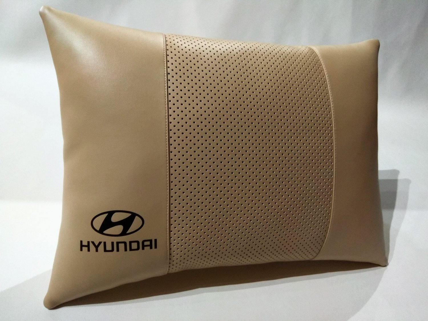 Auto Pillow Comfortable Back Rest with Logo Hyundai Headrest Cushions Pad Support Othopedic Seat
