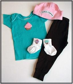 New Best of Chums gift set Cupcake blue top baby girl 6 mths pants hat socks