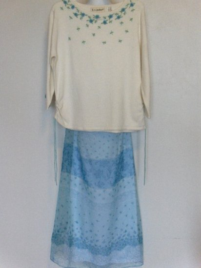 New K.C. Parker by Hartstrings Cream floral pullover sweater blue floral skirt set girls size 14