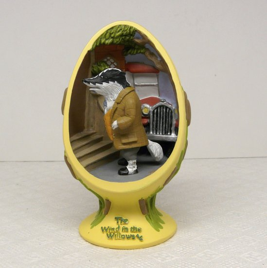 Wind in the Willows Figurine CVS Egg Shaped Limited Edition Badger's Plan 2002
