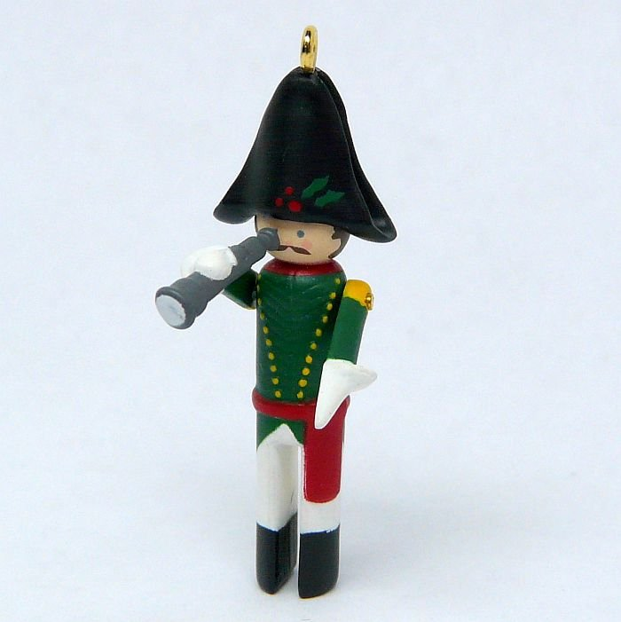 Hallmark Miniature Clothespin Soldier Christmas ornament 5 Collector's series 1999