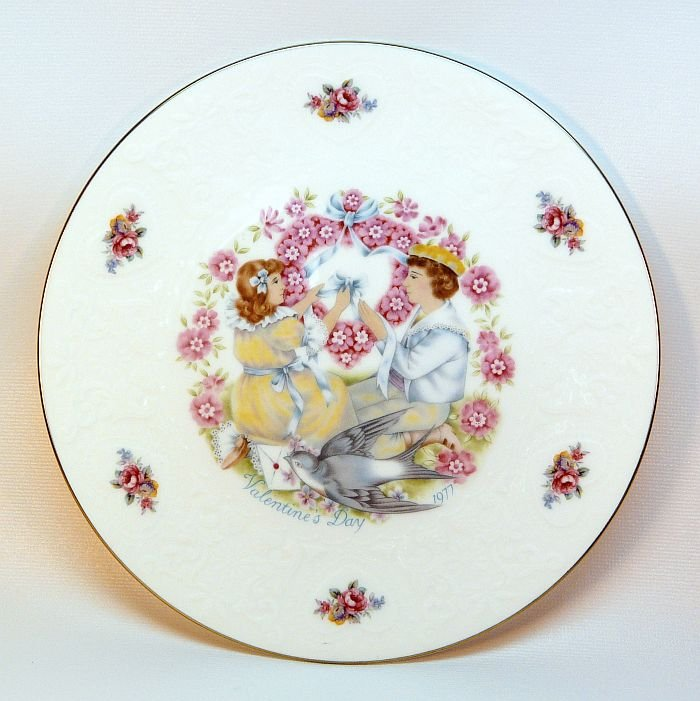 Vtg Royal Doulton My Valentine plate 1977 Victorian girl and boy with hearts and flowers and dove