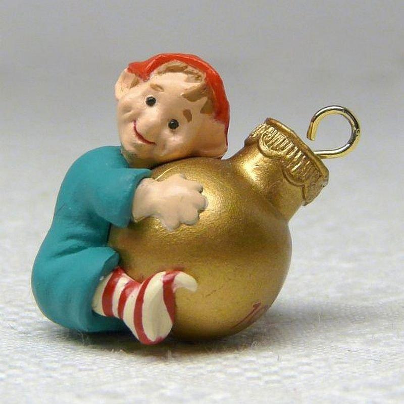 Vintage Hallmark miniature Load of Cheer elf Christmas Ornament 1989 QXM5745