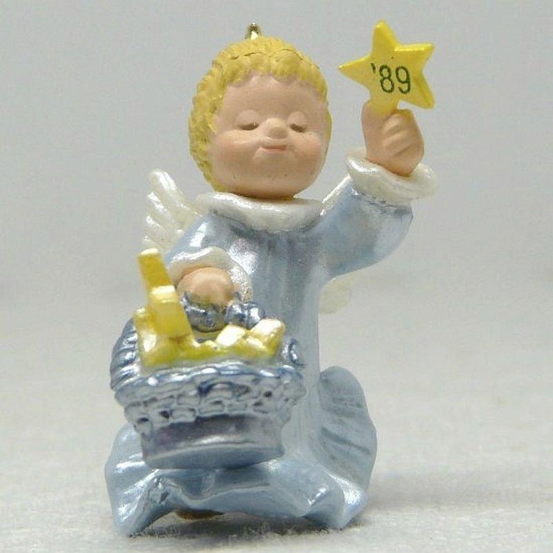 Vintage Hallmark Miniature Little Star Bringer Christmas Ornament 1989 QXM5622