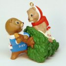 Vtg Hallmark 1998 Mom and Dad beaver Christmas ornament QX6653