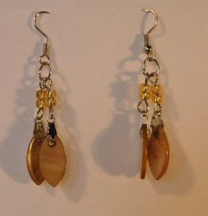 122(Inventory#) Gold retro earrings