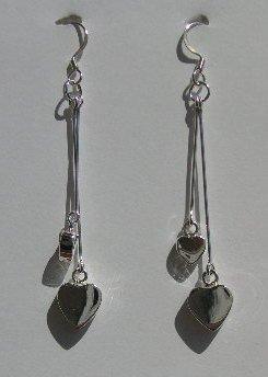 106(Inventory#) Heart silver dangling earring 100% silver