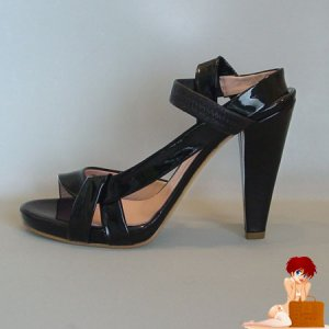 New In Box Authentic Chloe Kylie Black Patent Leather Shoes 38 - 7 - 7.5 US $565