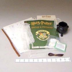 HARRY POTTER CHEMISTRY SPELLS and POTIONS BLACK CAULDRON MAGIC WAND KIT #1 -Rare