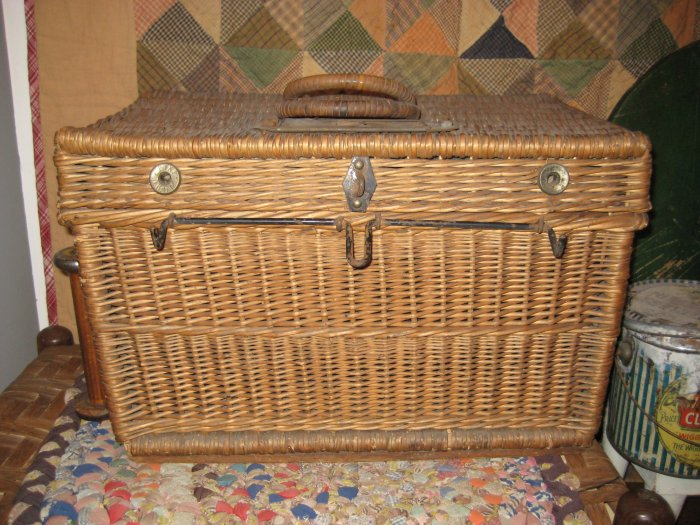 Primitive /Antique Basket *Large*