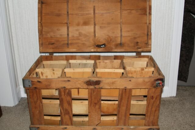 Primitive Strawberry Crate With Original 24 Baskets