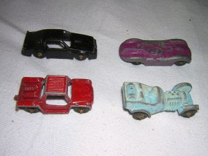 Old Cast Tootsietoy Car Lot Made in USA