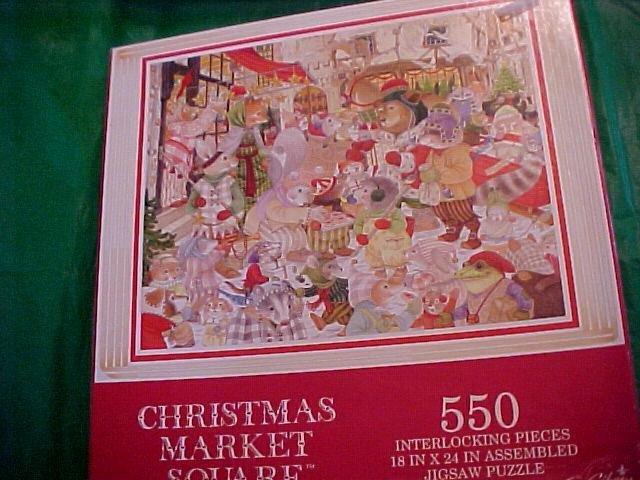 Christmas Market Square 550 Pc Puzzle