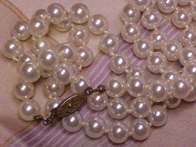 """24"""" Faux Pearl Costume Necklace 6mm Knotted Beads Vtg Costume ~ Free Shipping"""